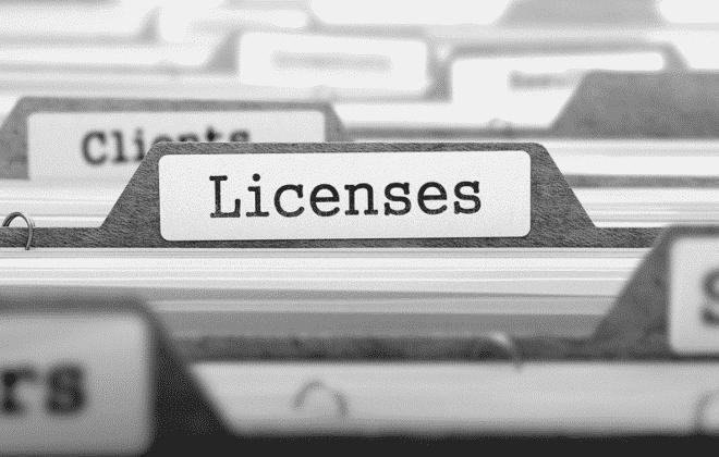 File folder set with license label